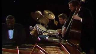 Oscar Peterson Trio - The Berlin Concert - Salute to Bach