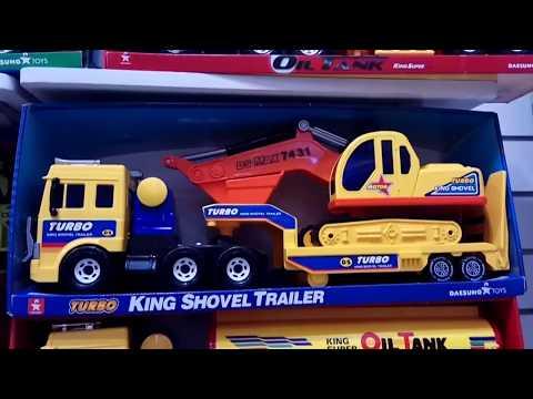 Memilih mainan truk CAT di kota kasablanka kokas jakarta | Toy's R Us Toy Shopping