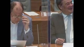 阻隔新冠病毒 德国议员亚克力箱内召开全体会议