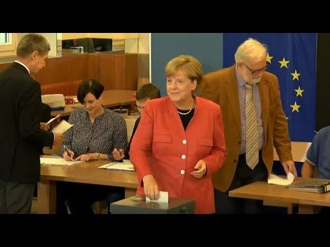 LIVE: German Federal Election 2017: Merkel casts her vote