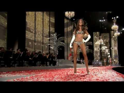 Izabel Goulart - Victoria † s Secret Runway Compilation HD