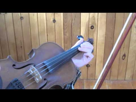 How to play drone notes on fiddle
