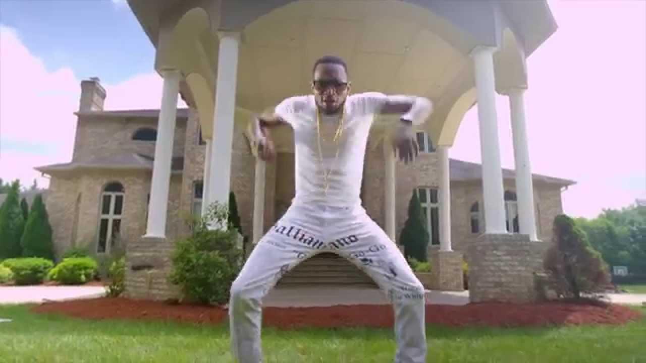 d-banj-knocking-on-my-door-official-music-video-d-banj-records-2015-dbanj-records