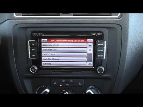 How to use your iPhone or iPod with the 2015 VW Jetta