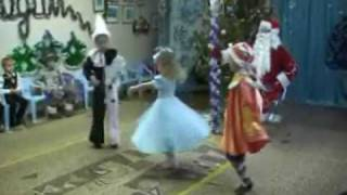 Новогодний утренник в детском саду Монтессори