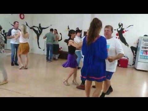 Free Salsa group dance class Adelaide