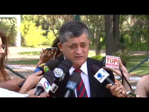 Rodrigo Maia discute reforma política com deputados da oposição