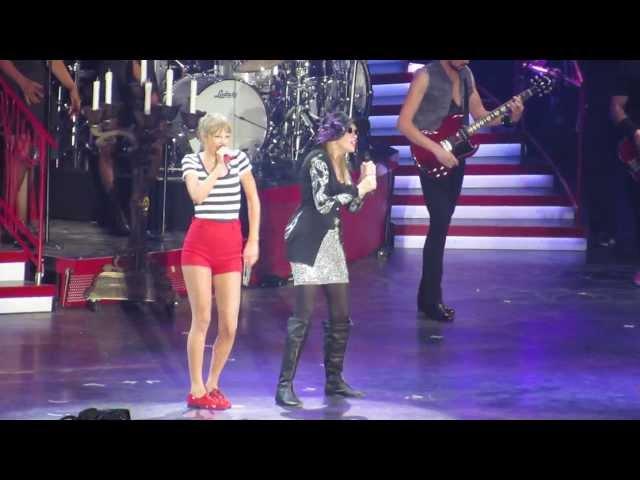 Taylor Swift & Carly Simon-You\'re So Vain (HD)-Foxboro, MA 7/27/13