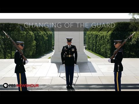 Watch Changing of the Guard at Arlington National Cemetery i