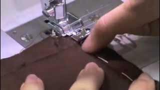 73005 jupe « LILI-ROSE » – partie 3 – les finitions - Coudre les côtés de la doublure de chaque côte de la fermeture.