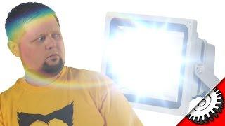 Светодиодный (LED) прожектор плюсы и минусы -  Свет для  мини студии - Video master(Рассказ о бюджетном свете. Светодиодный прожектор не сможет заметить собой профессиональный качественный..., 2016-01-25T13:30:00.000Z)