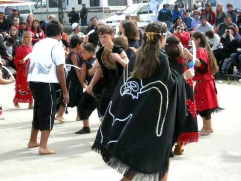 Makah Native American children dancing