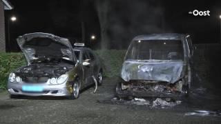 Taxibusje brandt uit op parkeerplaats in Ommen