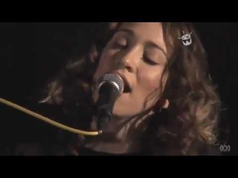 regina-spektor-no-surprises-radiohead-cover-caroline-kim