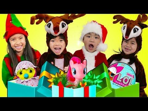 Wendy Emma Jannie & Lyndon Pretend Play Saving Christmas Morning & Presents for Kids