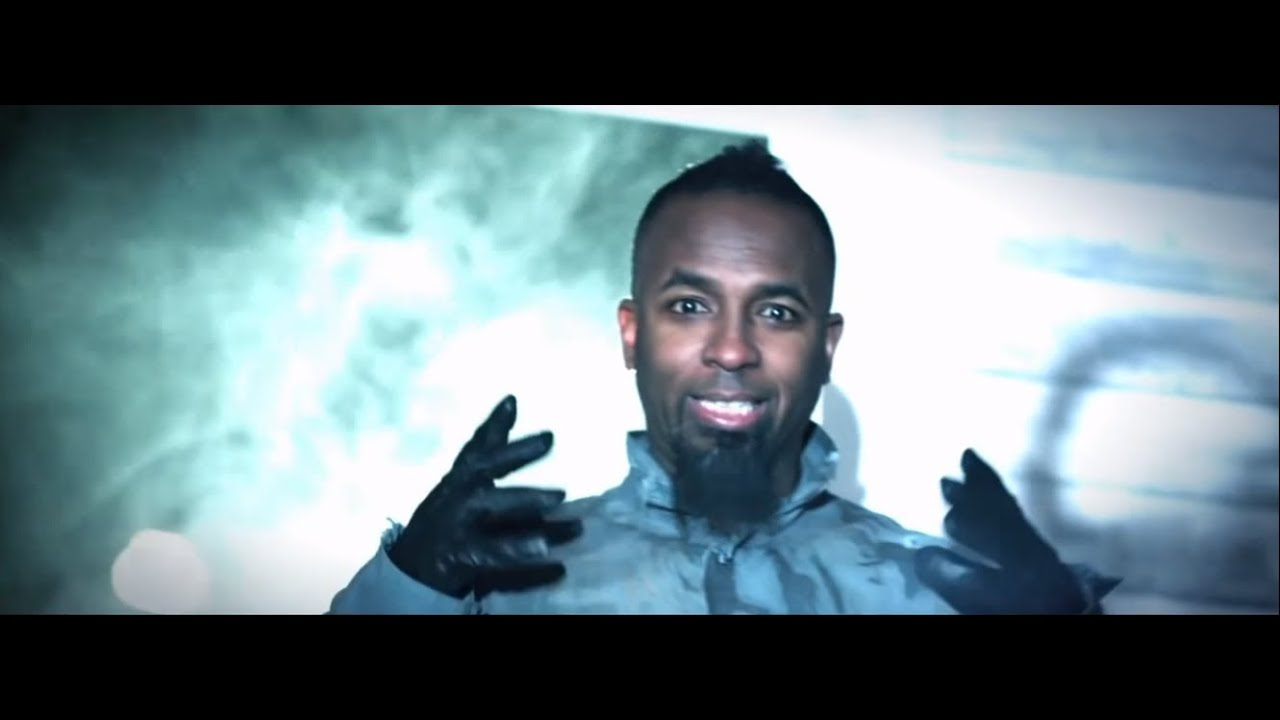 Tech n9ne am i a psycho feat b o b and hopsin official music