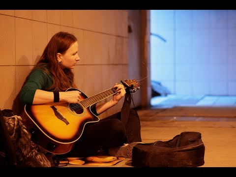 street-musicians-in-istanbul-(taksim-square-and-istiklal-avenue)