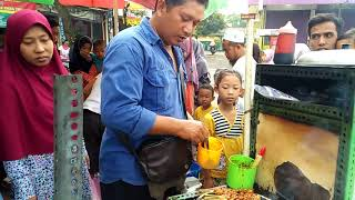 Download Video Street Food: Tempura Goreng/Bakar di pasar Krempyeng Banaran Gunungpati Semarang MP3 3GP MP4