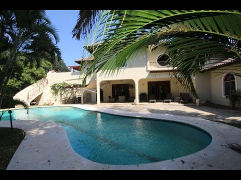 Greatly reduced luxury villa situated in a perfect location - Dominican Republic Real Estate