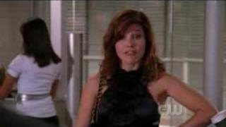 Brooke- Boss Of Clothes Over Bros- 5x01