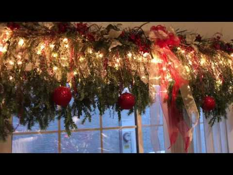 holiday decorating series ... customizing garland for the dining room