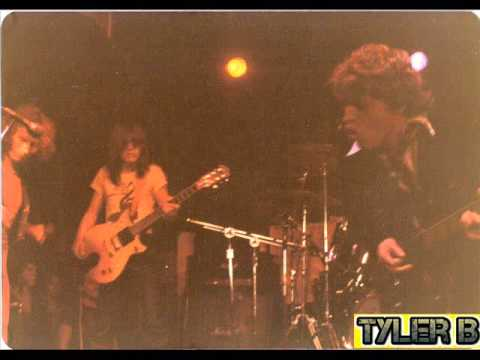 AC/DC (Live) August 24, 1977 - CBGBs, New York, NY, USA 🔊