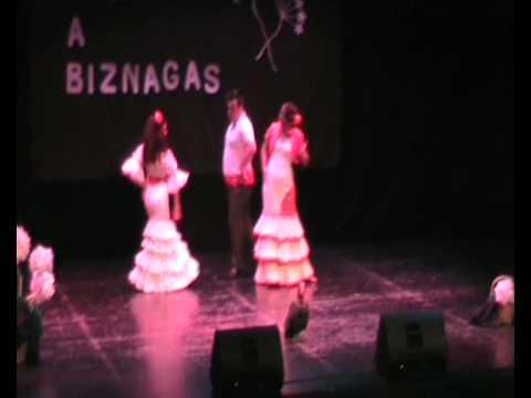 Macarena Soto , Antonio Macias y Sheila Paz - Echa...