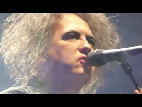 THE CURE - INTRO + 4 SONGS - STOCKHOLM 2016 - SWEDEN - GLOBEN  - 9.10