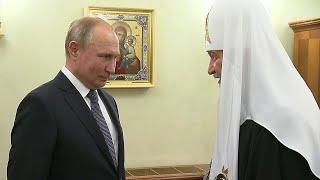 Владимир Путин поздравил патриарха Московского и всея Руси Кирилла с днем рождения.