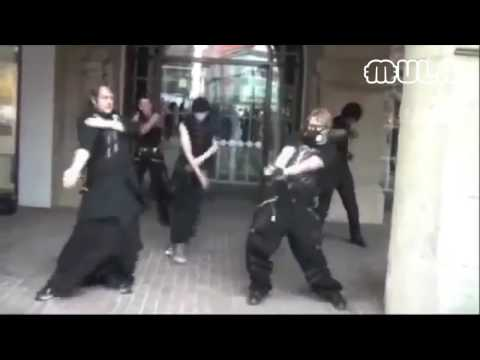 Goth Kids Dance to Chief Keef War...HAHAHA