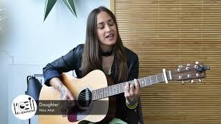 L'Œil du spectacle - Session acoustique Nina Attal «Daughter» - Bureaux VS Com - 27 avril 2021