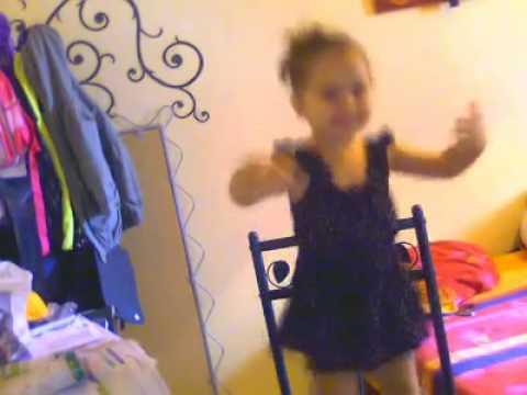 Petite fille qui danse arabe youtube - Petite souris qui danse ...