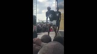 Оригинальный мужской танец