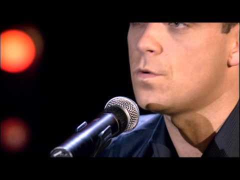 Robbie Williams show 2002 - 13 - Nan´s Song
