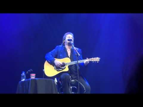 "Travis Tritt - ""I'm Gonna Be Somebody"" - Fox Theater - Bakersfield, CA 1-30-15"