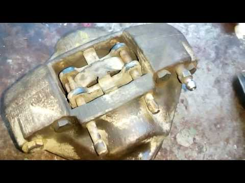 Мерседес W123. Ремонт заднего суппорта