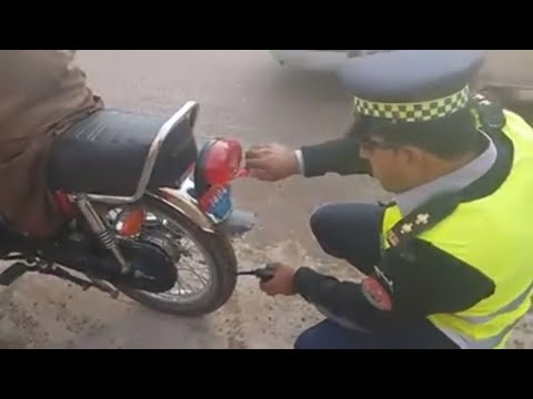 Peshawar Traffic Warden Police  (Real Change In KPK )