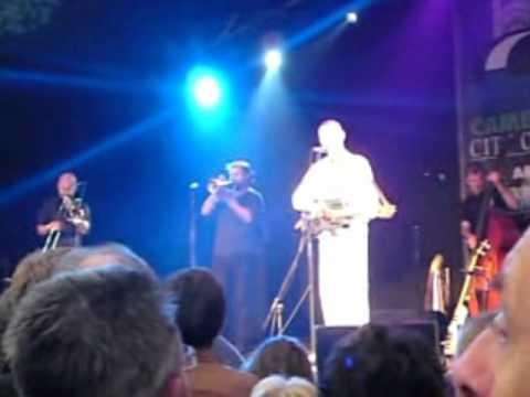 C.W. Stoneking - Jungle Lullaby - Cambridge Folk Fest 2010 mp3