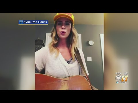 kylie-rae-harris,-country-singer-from-north-texas,-dies-in-car-crash-in-new-mexico