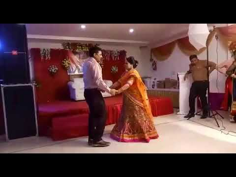 family-dance-on-bollywood-songs,-50th-anniversary-family-performance