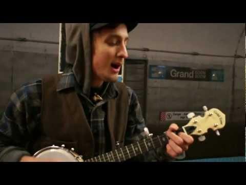 Kyle Ollah- Roscoe Holcomb Tune