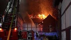 Großbrand in der Altstadt von Bad Münder - 100 Feuerwehrleute retten die umliegenden Gebäude