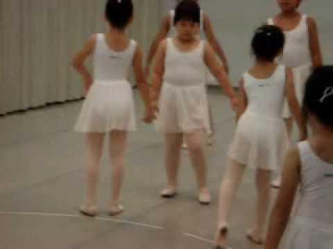 雲門幼童芭蕾之舞 (Cloud Gate Kids Ballet Dancing)