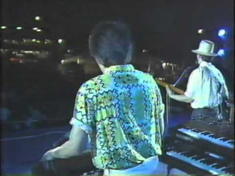 懐かしいビデオを発見したのでアップします。当時ナニワが大好きで、ライブでいただいた岩見さんのサインは今でも実家に大事にしまってあり...