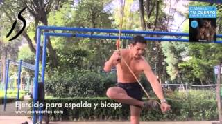 ejercicio para espalda y biceps con ligas