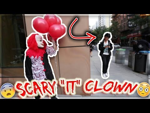"SCARY KILLER ""IT"" CLOWN DISTURBS THE PUBLIC !!!"