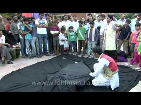 Breathtaking Magic street trick in India - levitating man!