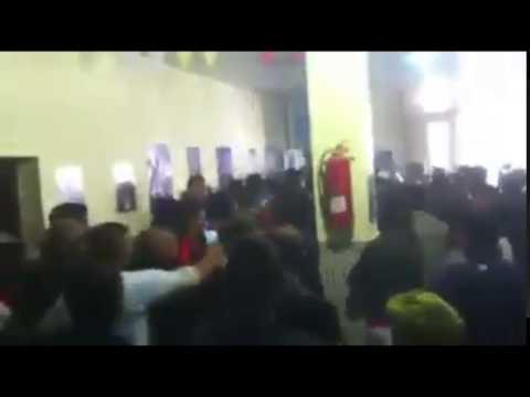 Des candidats FLN accueillis avec des pierres et des oeufs pourris à Tebessa