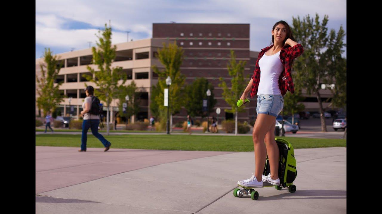 Первый в мире скейт-рюкзак с электрическим приводом
