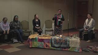 Martial Fontaine et Kathleen André offre un atelier sur la pratique la médecine traditionnelle innue